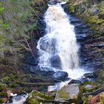 Водопад Юканкоски (Белые мосты) расположен на реке Кулисмайоки в Питкярантском районе Республики Карелия. Водопад имеет два рукава, высота которых около 19 метров. Это самый высокий и эффектный водопад в Южной Карелии.
