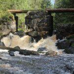Руины моста на реке Иййоки, Ихала.