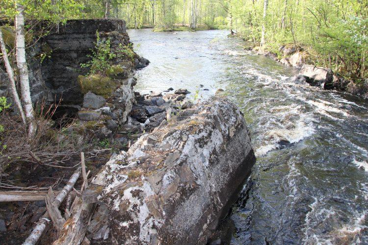 Нижняя плотина на р. Саркайоки