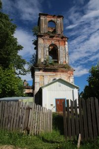 Церковь Смоленской иконы Божией Матери в поселке Пономарёво, что рядом с Доможирово