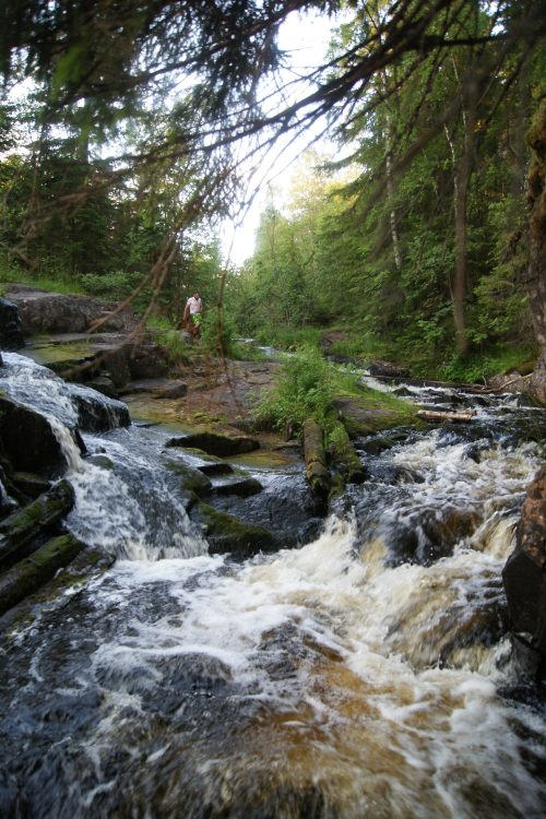 Остатки плотины на реке Хихнийоки, Керисюрья