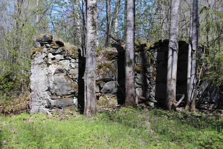 Руины мельницы в Суйстамо
