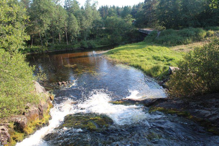 Верхний водопад в деревне Койриноя
