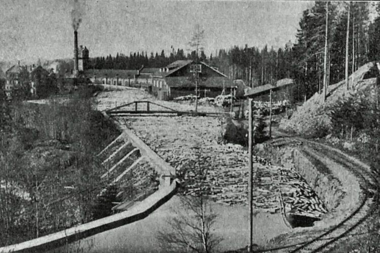 Заводская узкоколейка у завода Хямекоски.