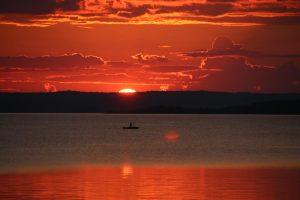 Закат на озере Пальвозеро